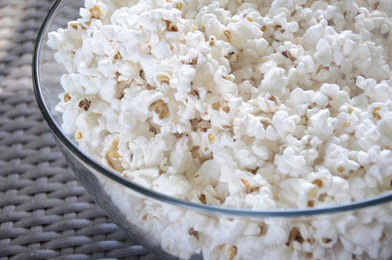 Popcorn z niebieskiej kukurydzy