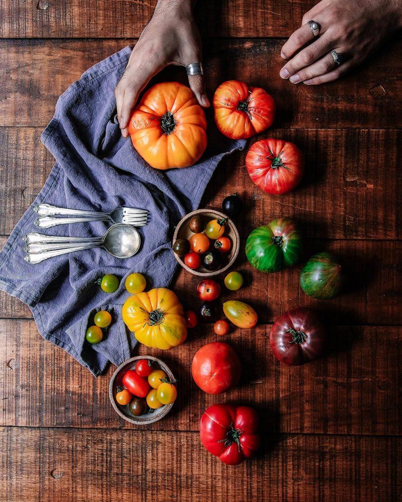 pomidory na stole