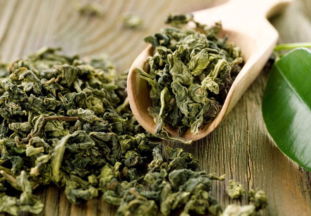 zielona herbata liscie